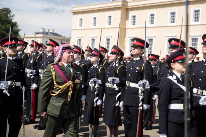 جلالة #الملك_عبدالله الثاني يرعى تخريج ولي العهد سمو الأمير حسين من أكاديمية #ساندهيرست #بريطانيا - صورة 1
