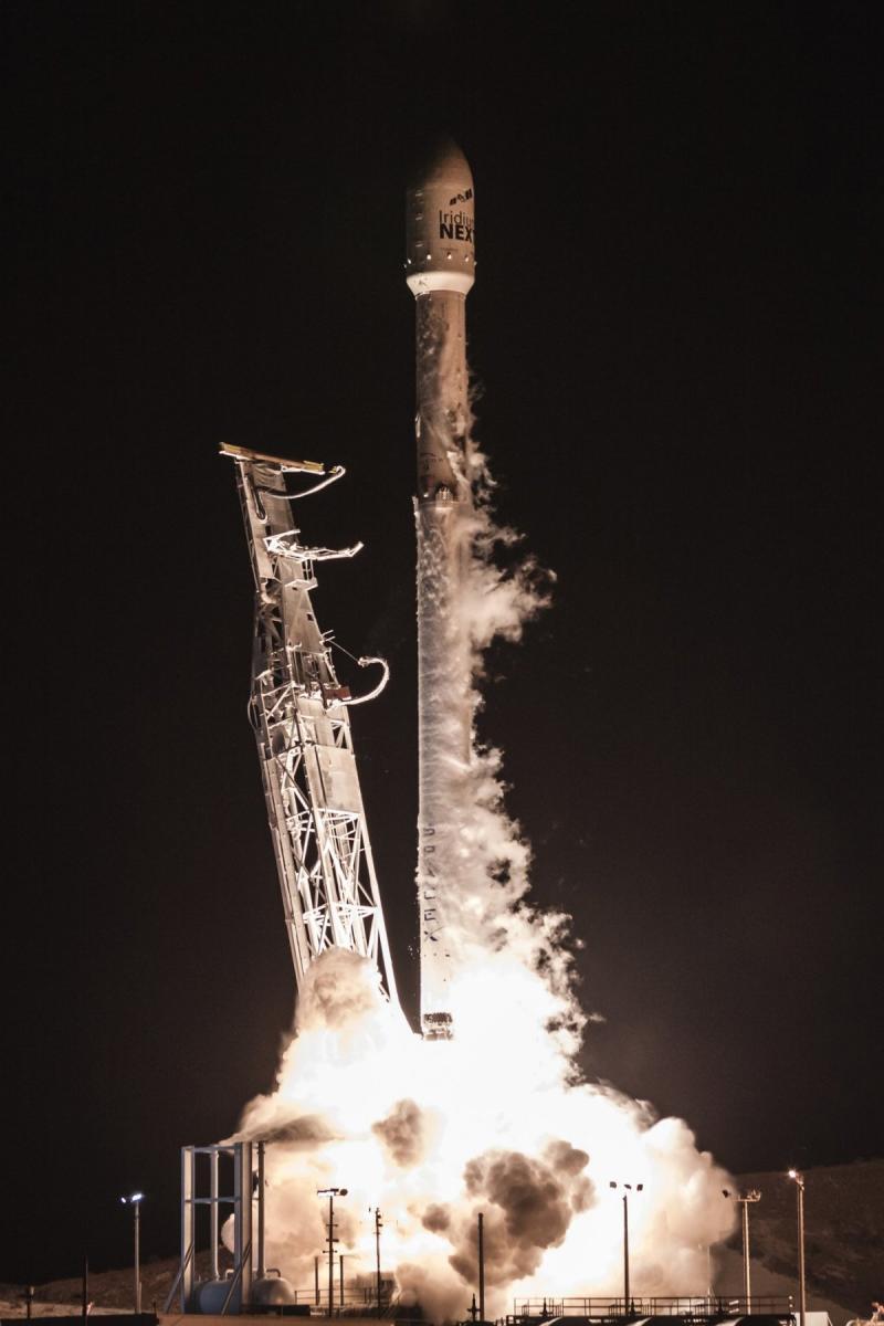لقطات لإطلاق شركة #SpaceX لصاروخها Falcon ليلة الأمس #ElonMusk - صورة ٤