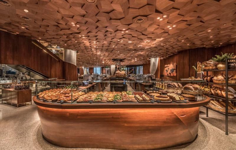 سلسلة مقاهي #Starbucks العالمية تفتتح أكبر محالها في #شنغهاي #الصين - صورة ٢