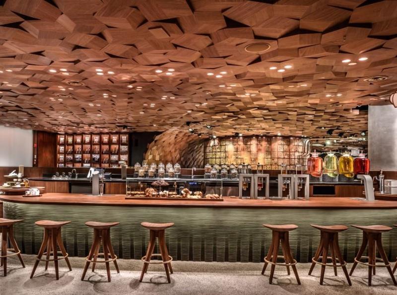 سلسلة مقاهي #Starbucks العالمية تفتتح أكبر محالها في #شنغهاي #الصين - صورة ٤
