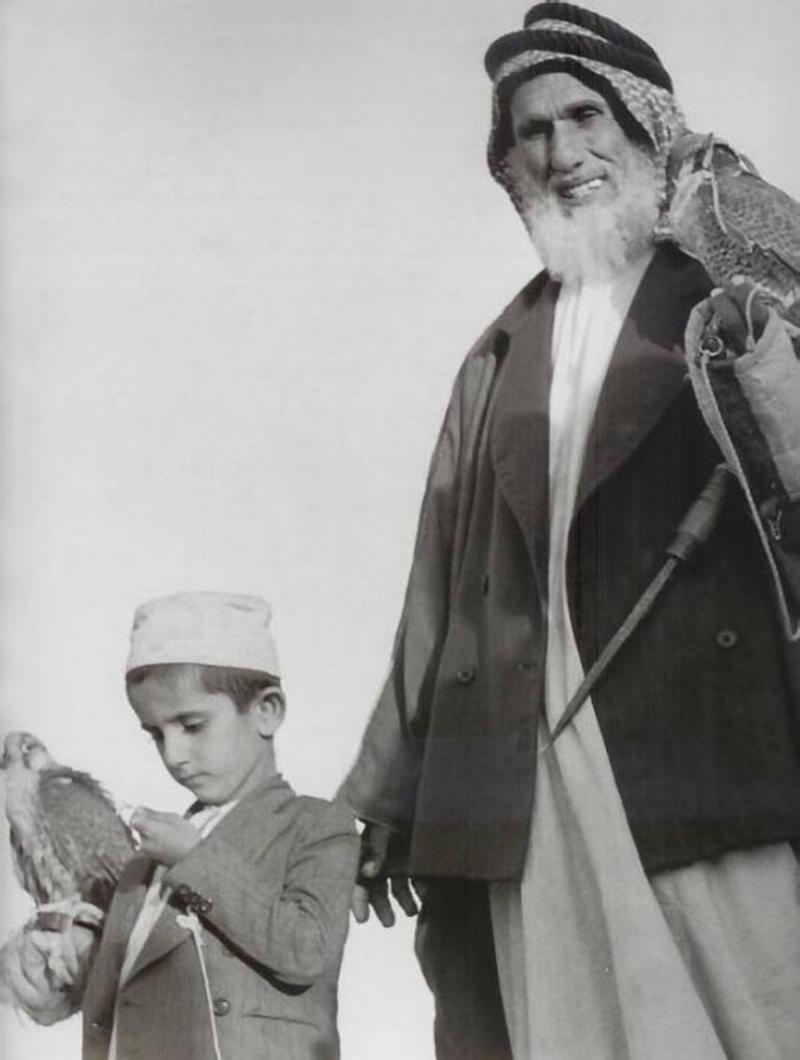 صور نادرة لسمو الشيخ #محمد_بن_راشد حاكم #دبي في طفولته وشبابه #مشاهير - صورة ١٣