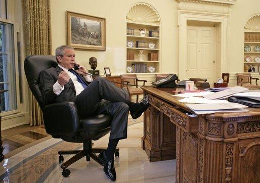 صور لرؤساء #الولايات_المتحدة اثناء العمل - #جورج_بوش