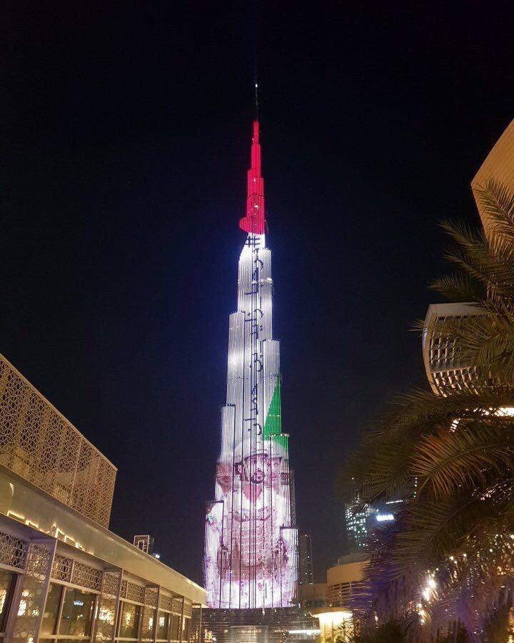 #برج_خليفة في #دبي يضيء بصورة الشيخ #زايد_بن_حمدان