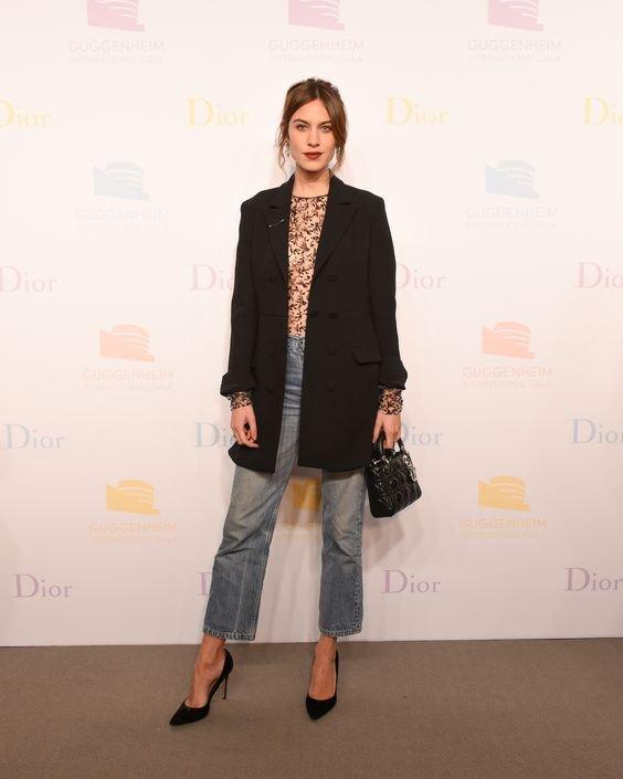 شنطة Dior Mini Lady تصبح الأكثر انتشارا بين النجمات في هوليود - صورة ١