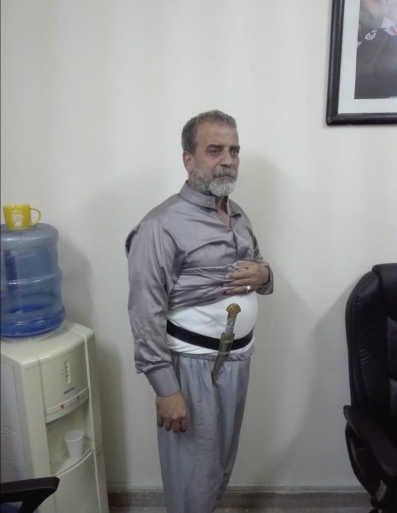 المعتصمون على #الدوار_الرابع في الأردن يلقون القبض على من تداول خبر طعنه لأحد أفراد الدرك #الأردن #إضراب_الأردن - صورة ٢