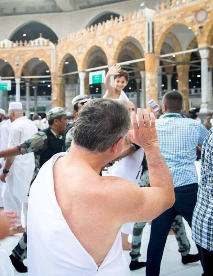 جلالة الملك #عبدالله_الثاني و سمو الأمير حسين ولي عهد #الأردن يؤديان مناسك العمرة #مكة #السعودية - صورة ٢