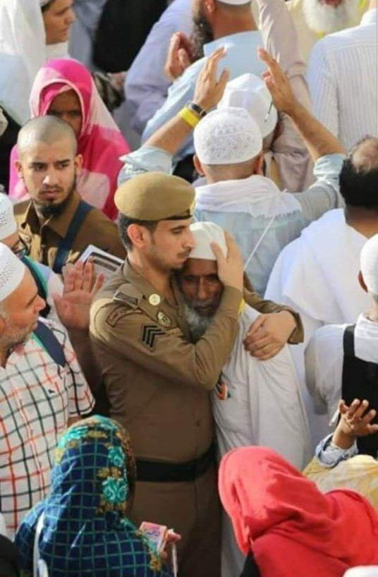 صورة ولا ابلغ عن كيفية تعامل قوات الأمن #السعودية مع الحجاج #مكة #السعودية #الحج