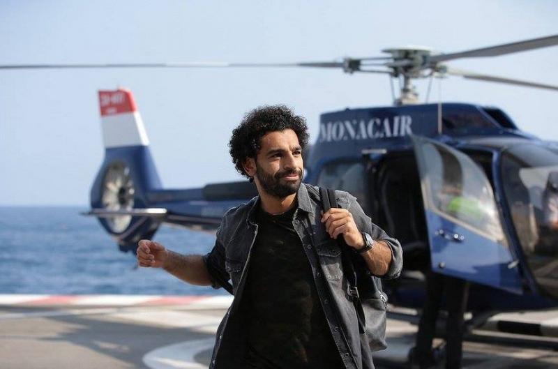 وصول النجم #محمد_صلاح @mosalah إلى #موناكو على متن هيليكوبتر #مشاهير - صورة ٢