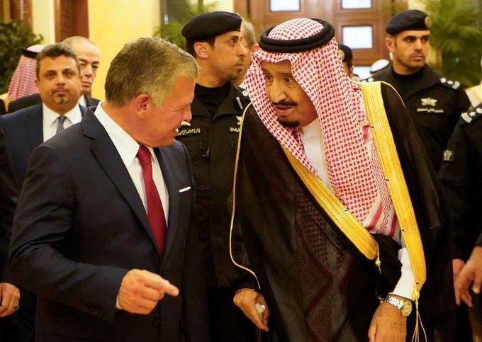 جلالة الملك #عبدالله_الثاني مع #خادم_الحرمين الملك #سلمان في مؤتمر الاستثمار السعودي #الأردن #السعودية - صورة ٢