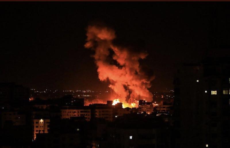 قصف متواصل من #إسرائيل على قطاع #غزة #فلسطين اليوم #غزة_تحت_القصف - صورة ٣