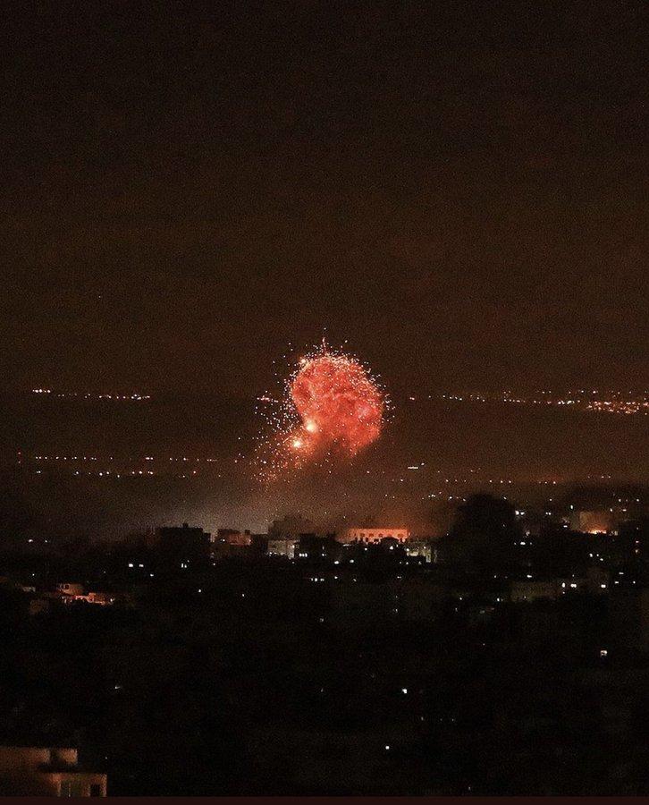 قصف متواصل من #إسرائيل على قطاع #غزة #فلسطين اليوم #غزة_تحت_القصف - صورة ٤