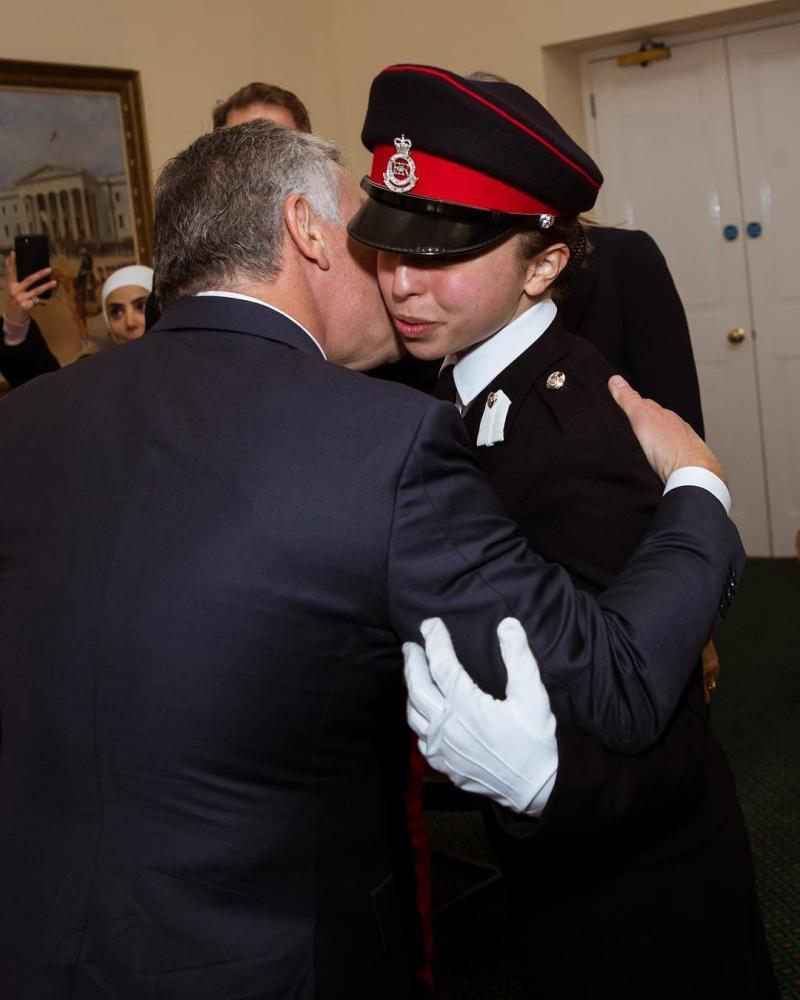 صور من حفل تخريج سمو #الأميرة_سلمى ابنة جلالة الملك #عبدالله_الثاني ملك #الأردن من أكاديمية ساند هيرست #مشاهير - صورة ١٠
