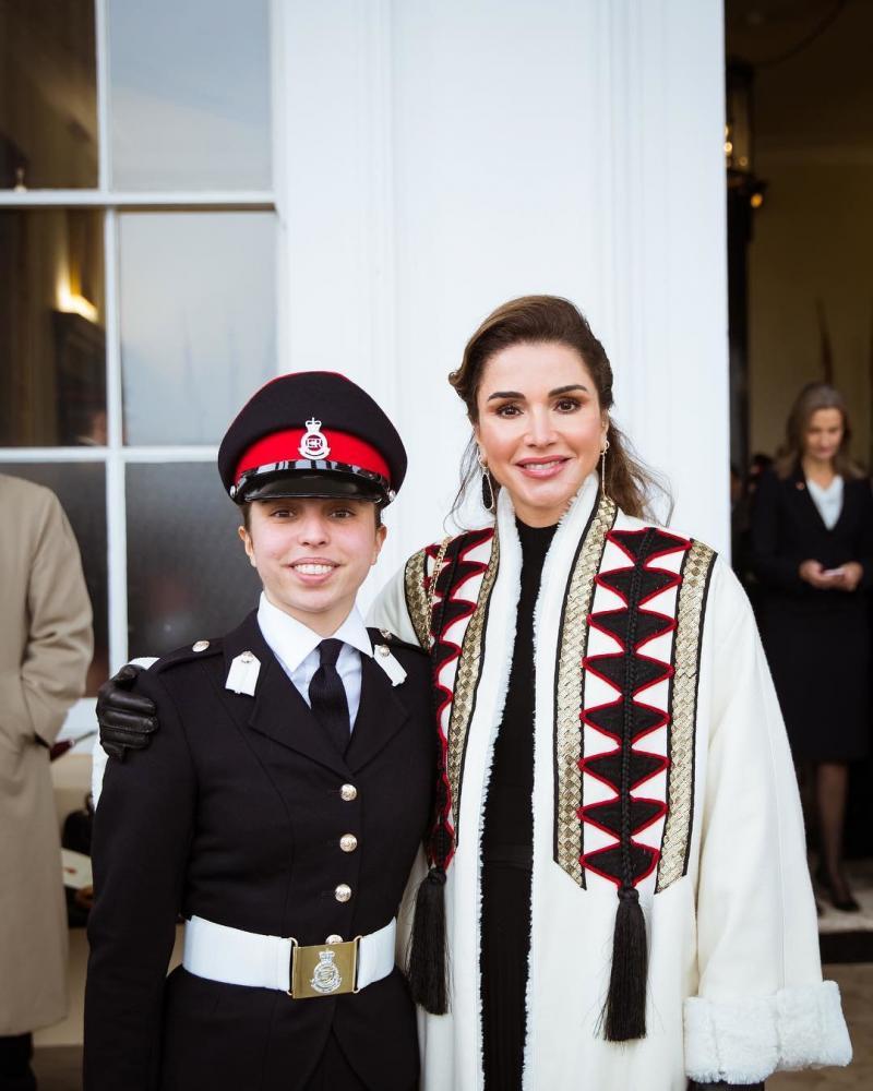 صور من حفل تخريج سمو #الأميرة_سلمى ابنة جلالة الملك #عبدالله_الثاني ملك #الأردن من أكاديمية ساند هيرست #مشاهير - صورة ٧