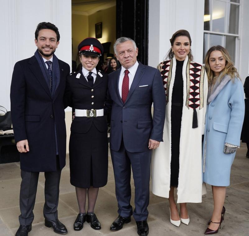 صور من حفل تخريج سمو #الأميرة_سلمى ابنة جلالة الملك #عبدالله_الثاني ملك #الأردن من أكاديمية ساند هيرست #مشاهير - صورة ٦