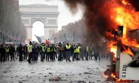 صور من مظاهرات #باريس #فرنسا - صورة ٢