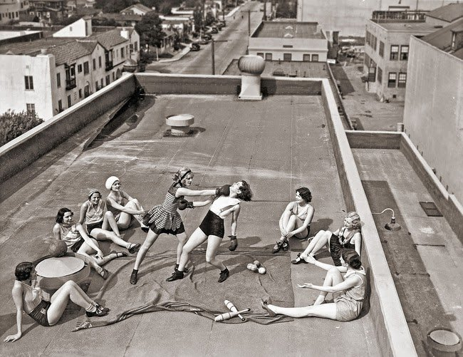 Women boxing on a roof in the 1930s #History