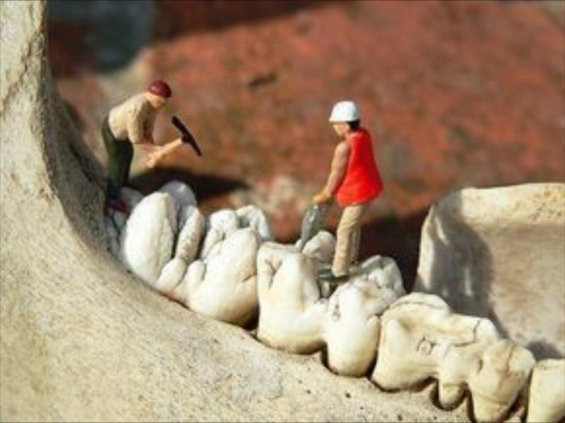 ٤٩ فكرة باستخدام مجسمات صغيرة للبشر ومواد من حولنا لصنع لوحات فنية مميزة #فن - صورة ٤٩