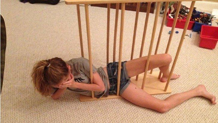 10 صور #بنات علقوا في أماكن غريبة #مضحك #نهفات - صورة 10