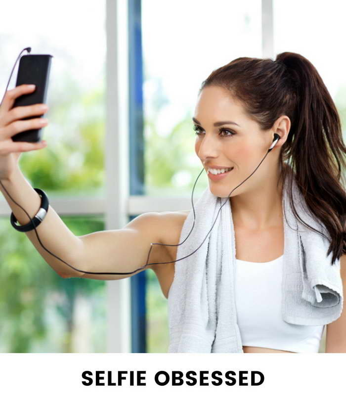 Eight Types Of Girls You See At The Gym - Selfie Girls