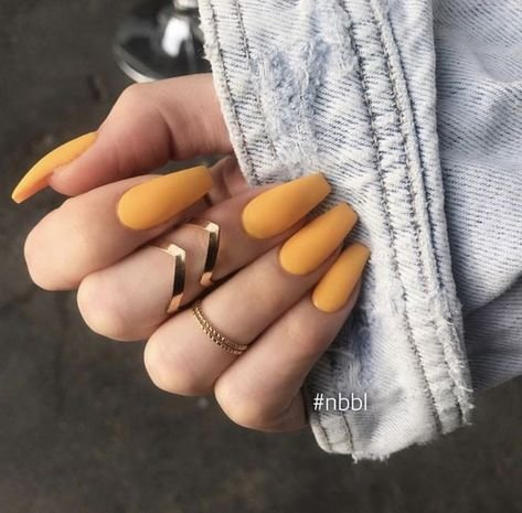 30 صورة ل #مناكير بمشتقات ودرجات اللون الأصفر #ماكياج #بنات - صورة 29