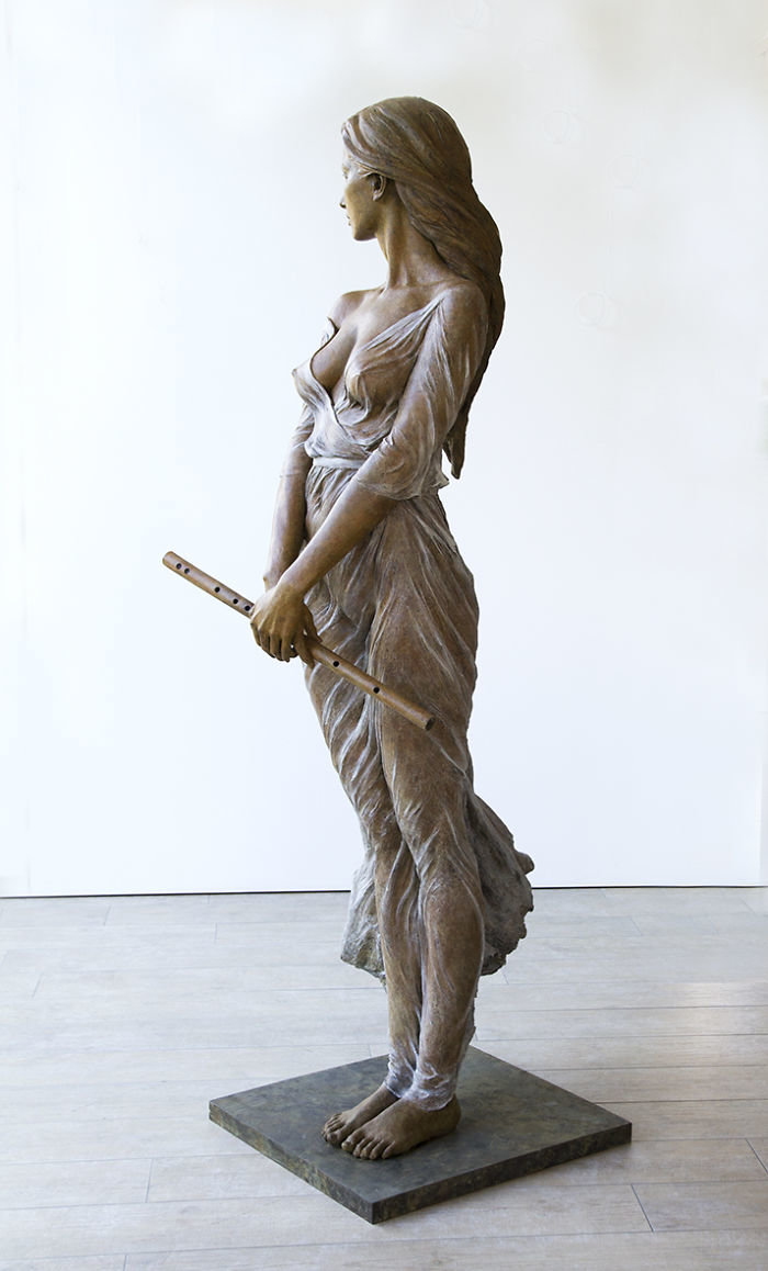 الفنانه #Luo_Li_Rong تصنع تماثيل تماثل الحقيقة لنساء #فن - صورة 12