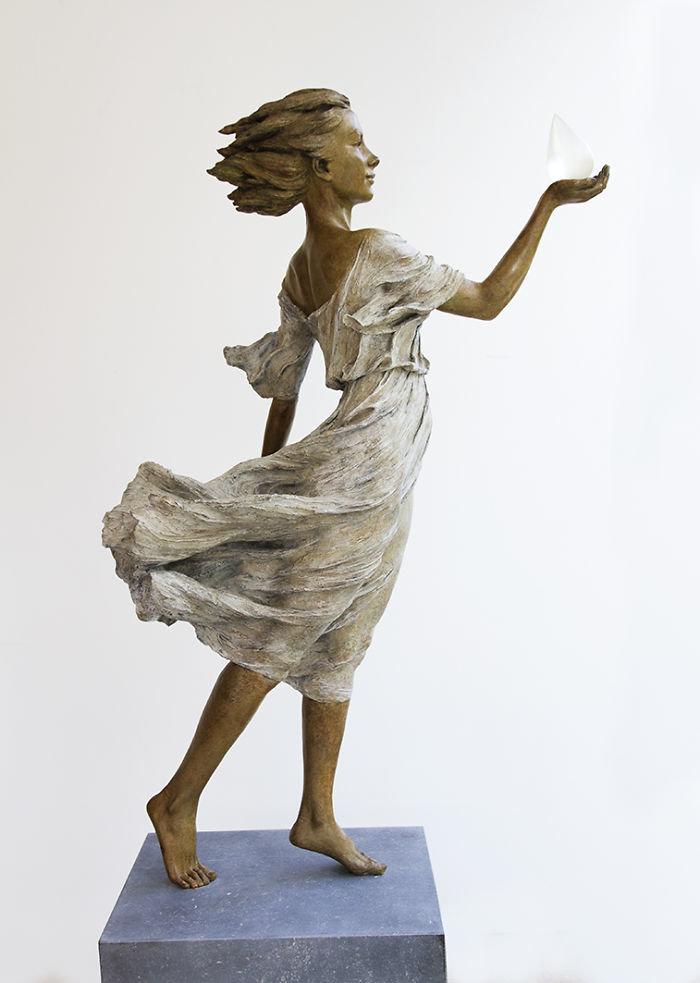 الفنانه #Luo_Li_Rong تصنع تماثيل تماثل الحقيقة لنساء #فن - صورة 6