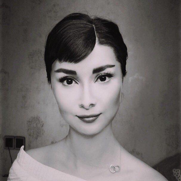 الفنانة الصينية #He_Yuhong تقوم بتغيير شكلها باستخدام #الماكياج لتصبح نسخة من #مشاهير عالميين #بنات #فن - Audrey Hepburn