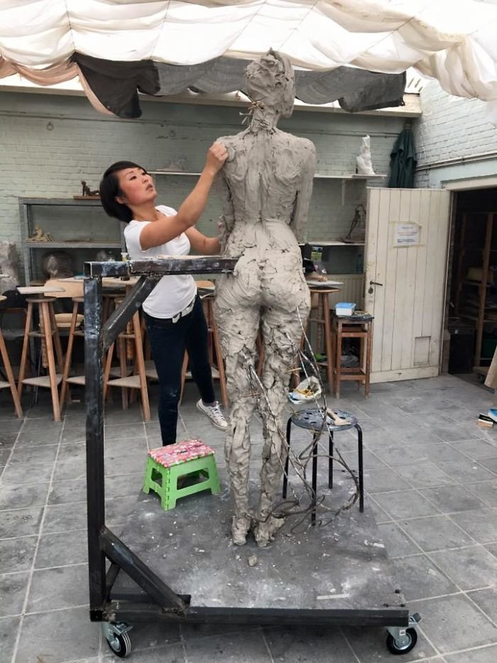 الفنانه #Luo_Li_Rong تصنع تماثيل تماثل الحقيقة لنساء #فن - صورة 7