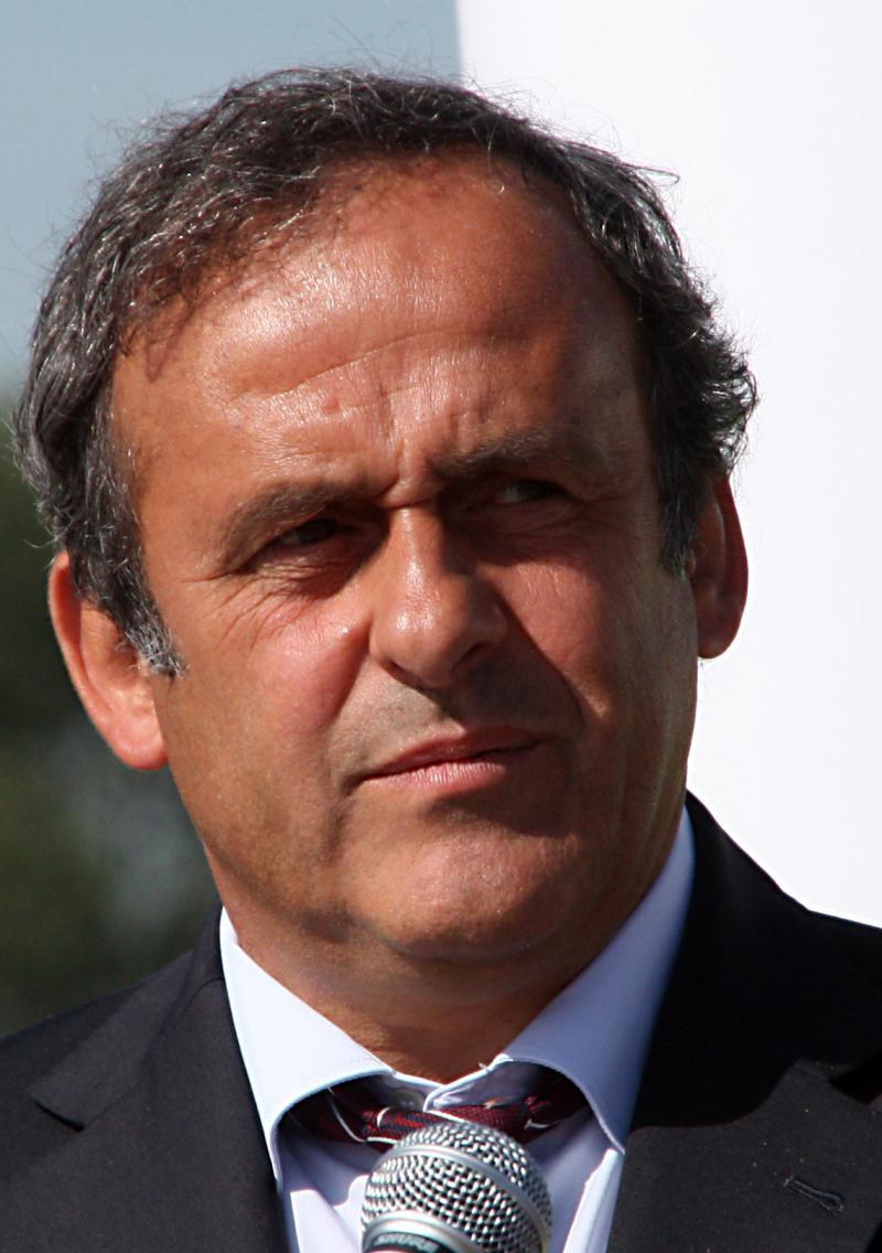 السلطات الفرنسية تحقق مع #ميشيل_بلاتيني بتهم فساد وتلقي رشاوى على خلفية منح #قطر حق استضافة #كأس_العالم ٢٠٢٢