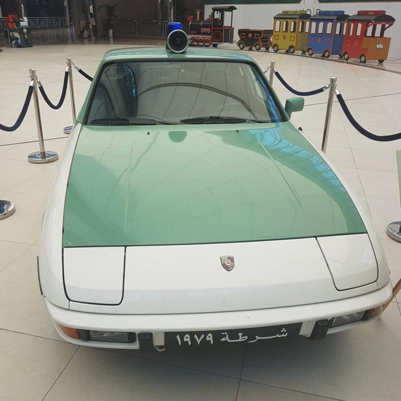 صور من معرض #سيارات شرطة #أبوظبي في #المارينا_مول - صورة ٢