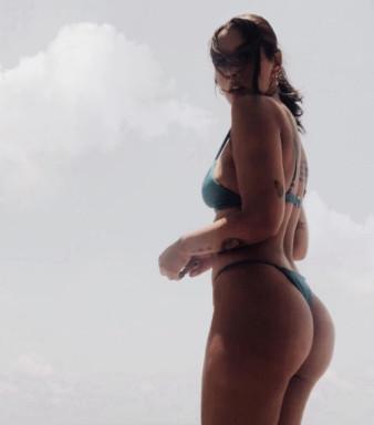 Teasing #Hot #Girls #Bikini #Sexy - Image 30