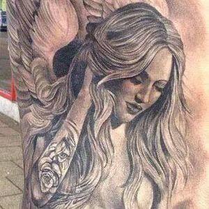 تصاميم #وشوم #وشم #Tattoos على صور ملائكة #فن #ماكياج #بنات - صورة 12