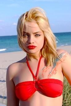 Hot #Girls in #Bikini #Models - Image 98