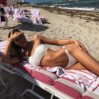 Teasing #Hot #Girls #Bikini #Sexy - Image 12