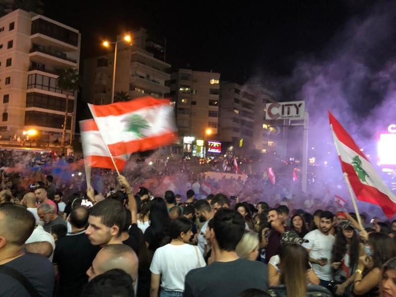 صور من مظاهرات #لبنان #لبنان_ينتفض - صورة 30
