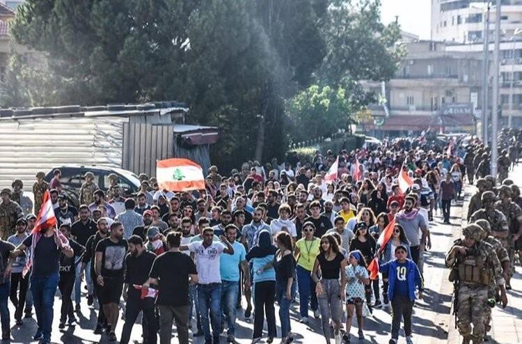 صور من مظاهرات #لبنان #لبنان_ينتفض - صورة 25