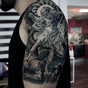 تصاميم #وشوم #وشم #Tattoos على صور ملائكة #فن #ماكياج #بنات - صورة 67