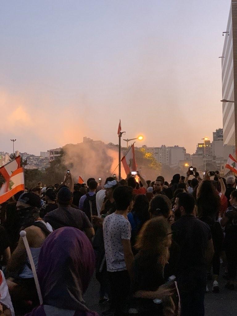 صور من مظاهرات #لبنان #لبنان_ينتفض - صورة 34