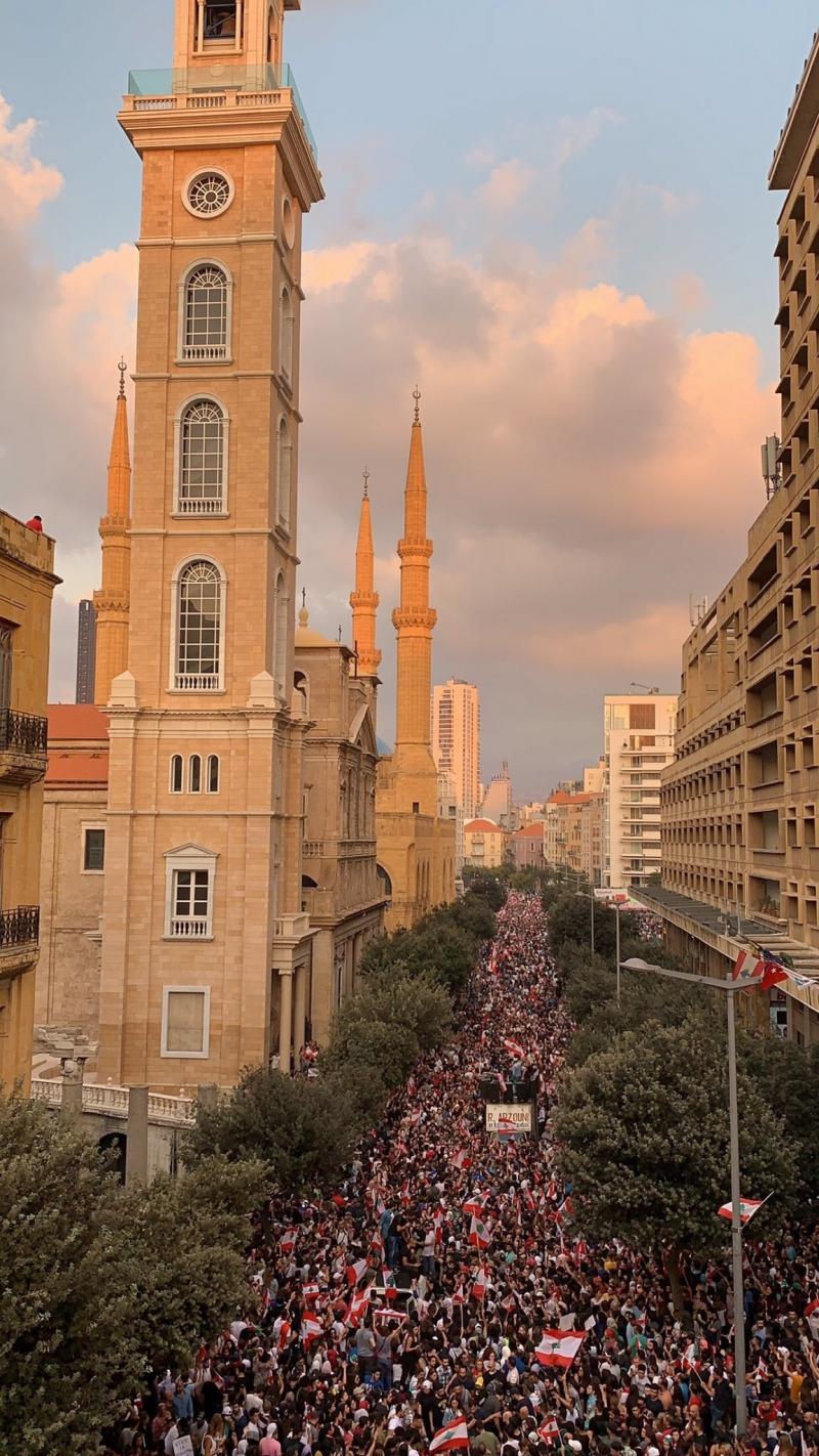 صور من مظاهرات #لبنان #لبنان_ينتفض - صورة 32