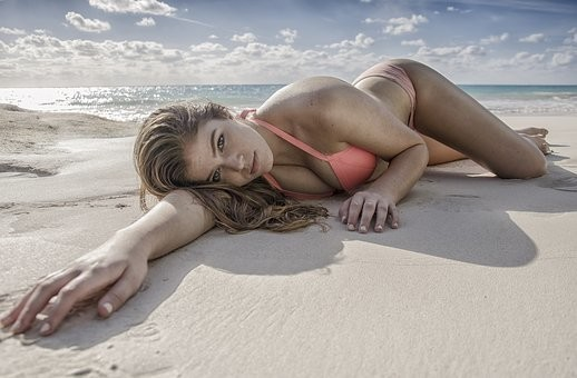 Hot #Girls in #Bikini #Models - Image 42