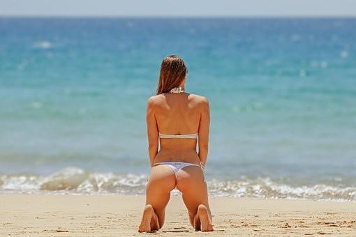 Hot #Girls in #Bikini #Models - Image 48