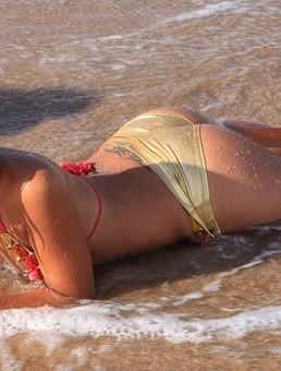 Hot #Girls in #Bikini #Models - Image 15