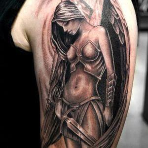 تصاميم #وشوم #وشم #Tattoos على صور ملائكة #فن #ماكياج #بنات - صورة 61