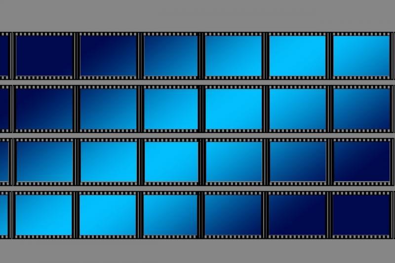 صور تحتوي #فيديو #مقطع_سينمائي #تصوير #فيلم #أسود #التناظرية