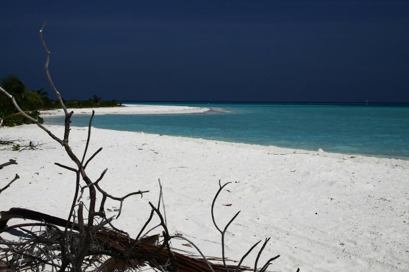 صور لـ #جزر_المالديف #ماء #شاطئ_بحر #بحر