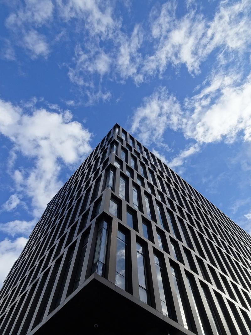 صور لـ #العمارة_الحديثة #مبنى_إداري #بناء #زجاج