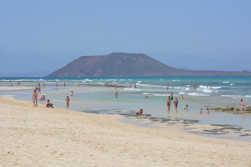 صور لـ #جزيرة #فويرتيفنتورا #بحر #شاطئ_بحر