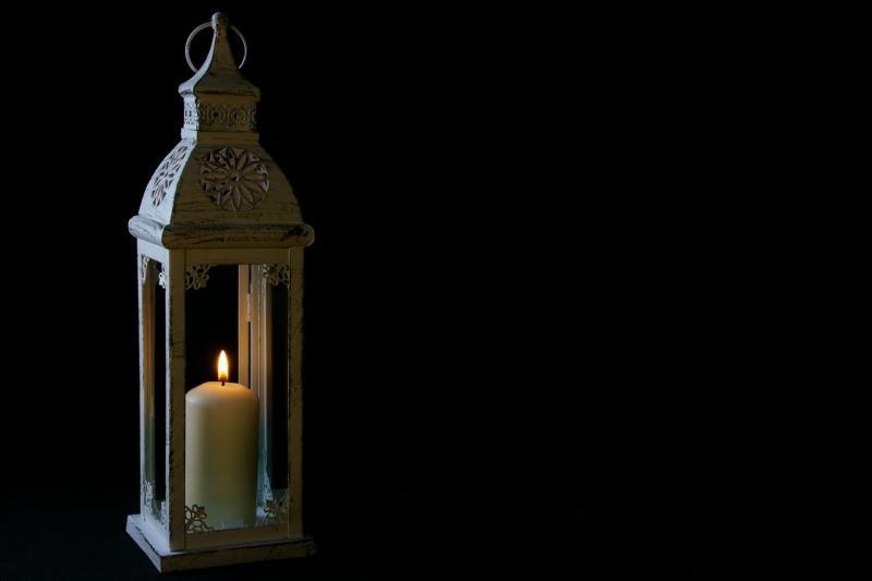 صور تحتوي #فانوس #الشعلة #ضوء #استبدال_مصباح #شمعة