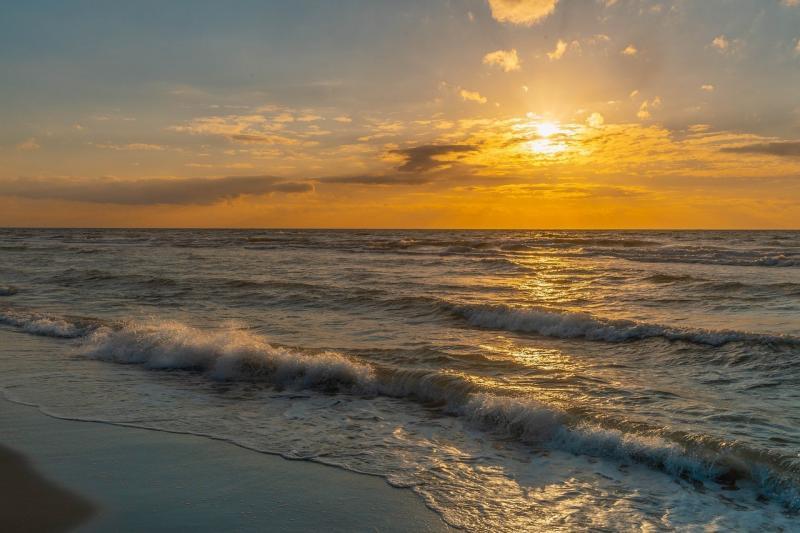 صور تحتوي #بحر_البلطيق #Ahrenshoop #dar #الشاطئ_الغربي #شاطئ_بحر #سحاب