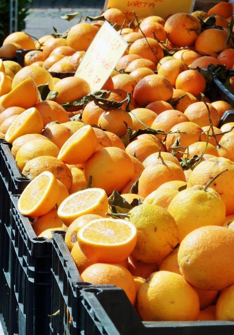 صور تحتوي #سوق #ليمون #الحمضيات #فيتامين_سي #أشجار_الحمضيات